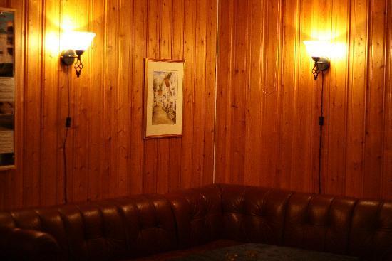 Enter Backpack Hotel: A corner of the communal room