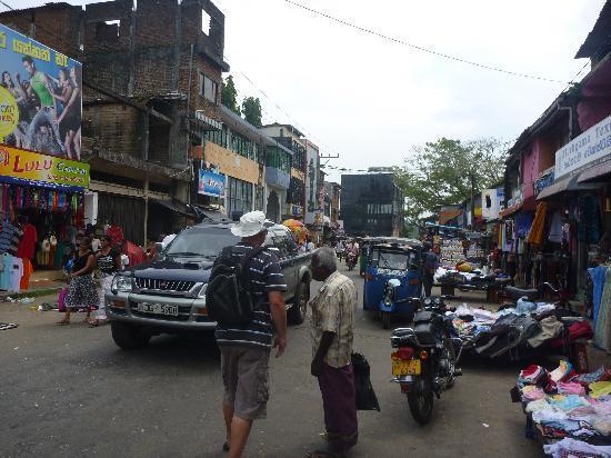 Shangri-Lanka Villa: Bentota Town