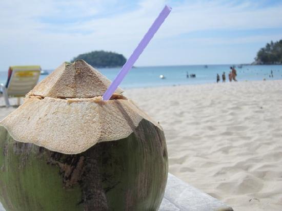 Novotel Phuket Kata Avista Resort and Spa: Kata Beach