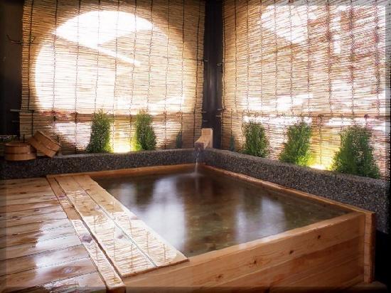 Kinosaki Onsen Kojinmari : ちょっぴり贅沢な客室【凛】の露天風呂