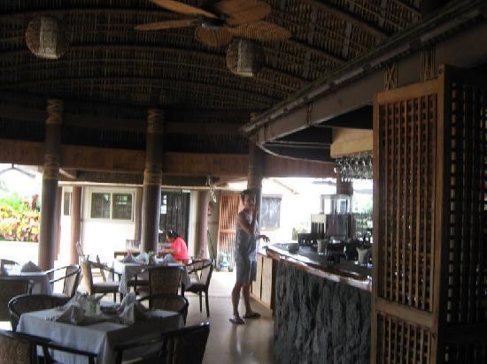 Le Manumea Hotel: inside the restaurant area