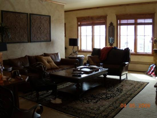 Highmark Steamboat Springs: Another view of the living room.