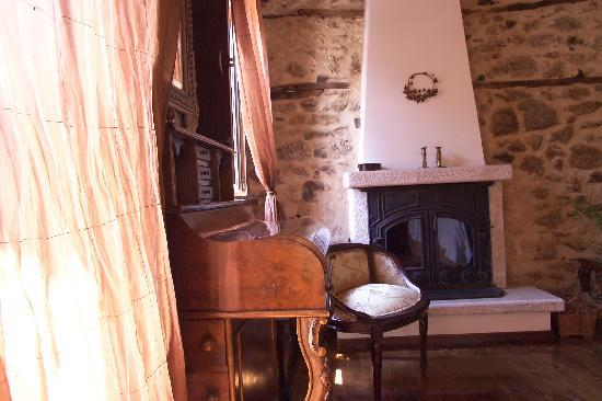 PROSELINOS Guesthouse: Suite THISOA