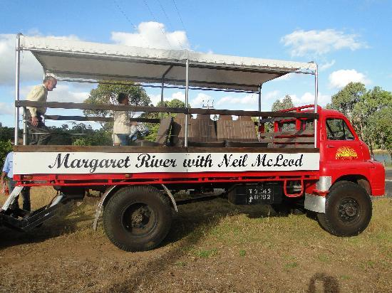 McLeod Tours: Neils Truck