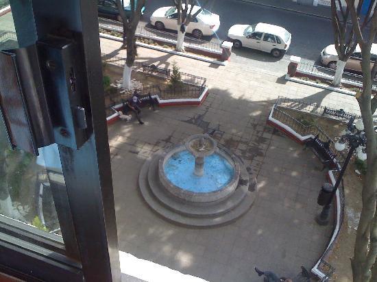 San Angel: Vista desde la habitacion a la plazita de al lado