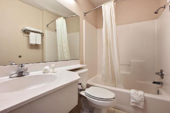 Motel 6 Gastonia: Guest Bathroom
