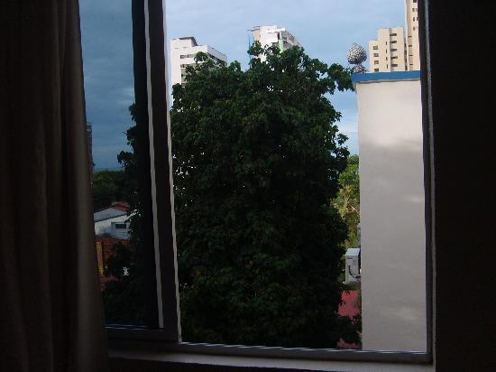 Hotel Casa de Praia: Janela do quarto