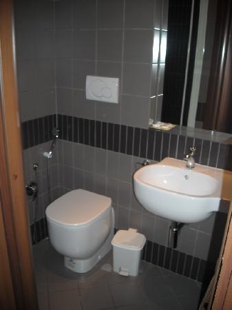 Hotel Felice: Baño