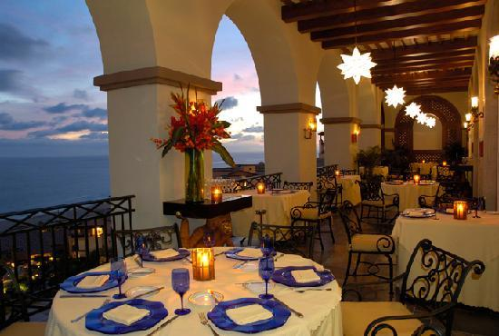 Pueblo Bonito Sunset Beach Golf & Spa Resort: LaFrida Restaurnat Terrace