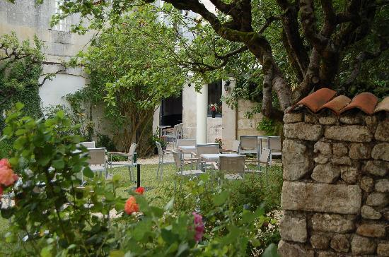 Saintes, França: La terrasse