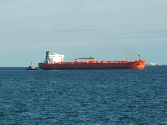 Villa Del Sol: large ship in the bay my fav