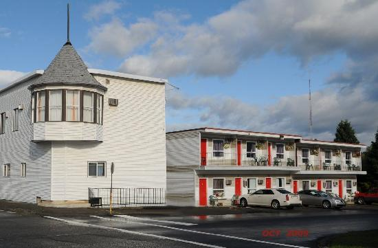 Almo Court Motel : Back View