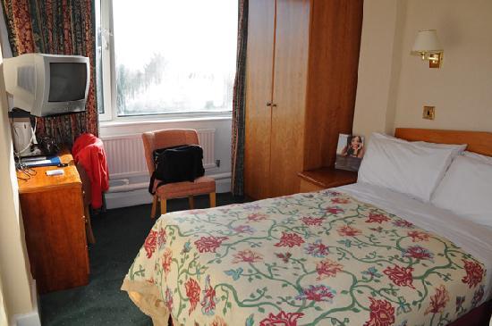 كوينز هوتل آند سبا: My single room, 3rd floor sea facing