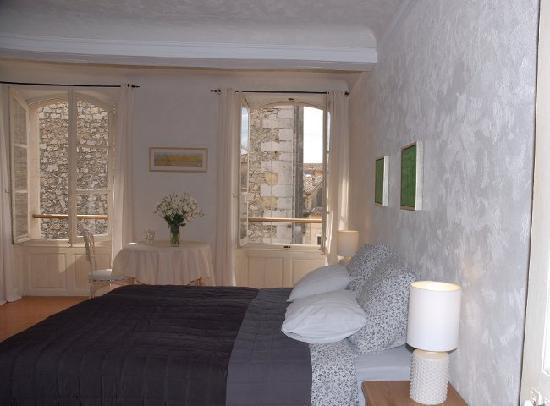 Maison Du Midi: room