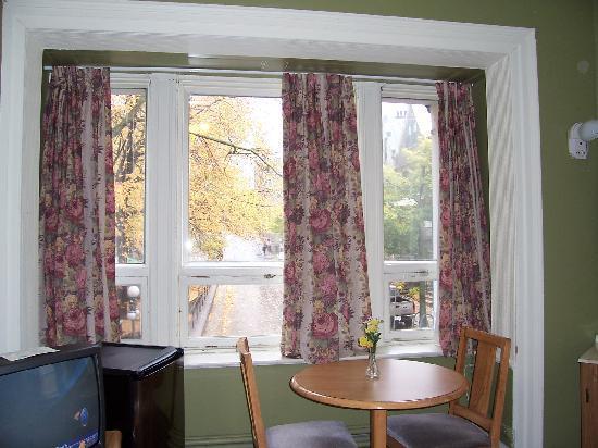 Hotel Jardin du Gouverneur : Our window view, October 2006