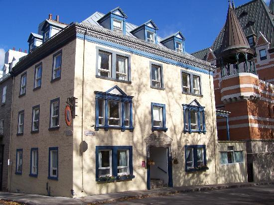 October 2006 picture of hotel jardin du gouverneur for Hotel du jardin