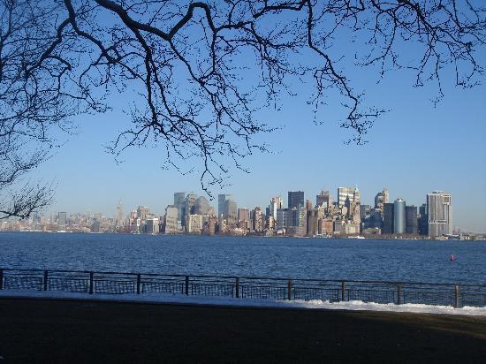 New York City, NY: manhattan dal parco della statua della libertà