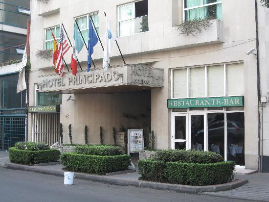 Hotel Del Principado: The entrance