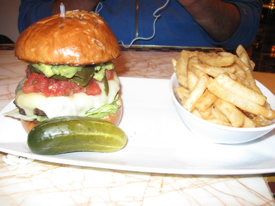 Zoozacrackers: Burger was stuffed with flavor.  Yummy!
