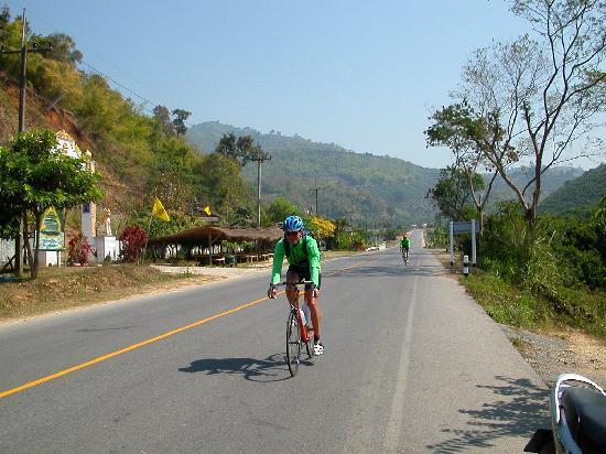 Bamboo-Lake-Village: Für Radsport ideale Bedingungen - Gute Strassen, wenig Verkehr