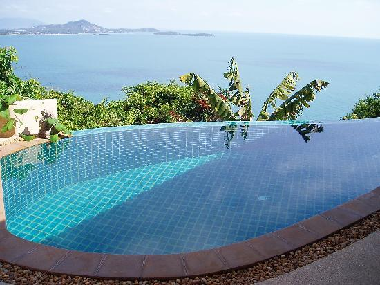 Ed Rock Villas: view and pool