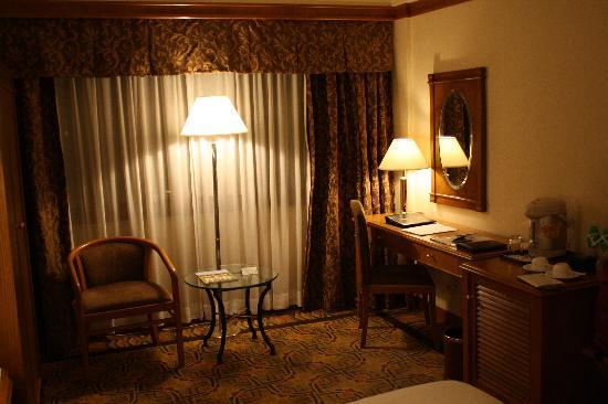 Hotel Sintra: Nice writing desk