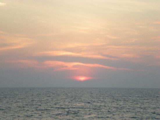 Vypin Island, Inde : sunset in cherai beach