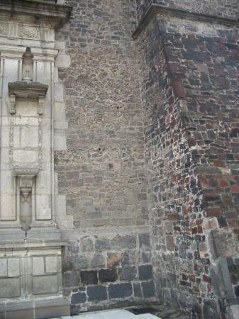 Basilica de Santa Maria de Guadalupe Photo