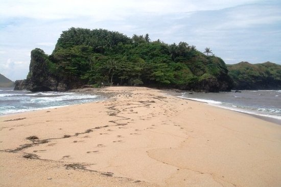 Pundaquit, Filipinas: the bigger island of Camara