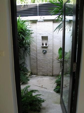 The Racha: Our 'outdoor' shower - lovely!