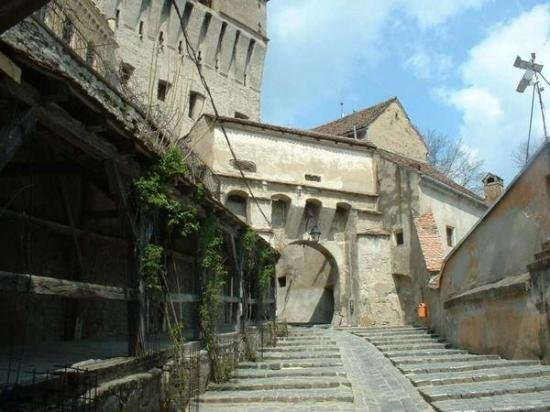 Sighisoara, Roemenië: Inside the city walls of the oldest continuously inhabited medieval city in the world. Sighisoar