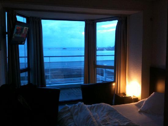 Hotel de la Plage d'Erquy : Chambre avec vue