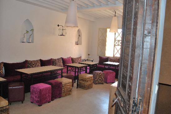 Un Déjeuner à Marrakech : La sala al piano superiore