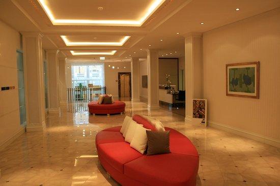 Grand Hotel Quellenhof & Spa Suites: Hotel lobby