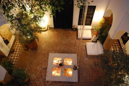 Riad Magellan Yoga: Il riad di notte