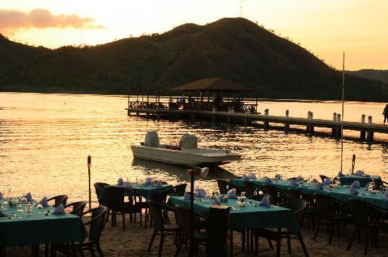 El Rio y Mar Resort: Dinner by the beach of El Rio y Mar