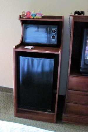 Hampton Inn - Groton: minifridge microwave