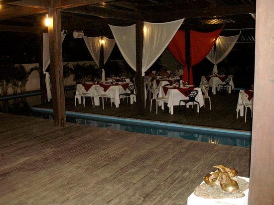 Embocca: Main Dining Area