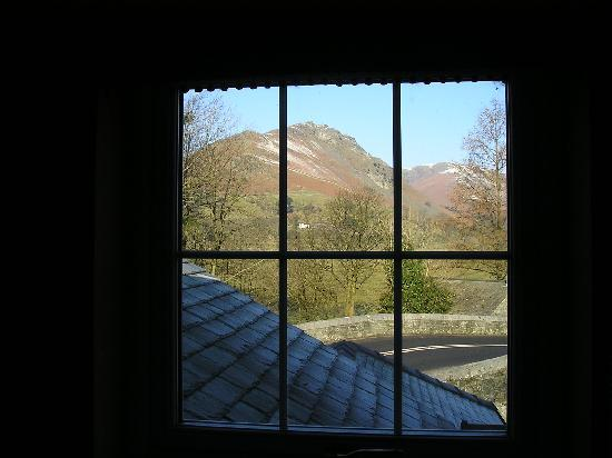 Rothay Garden Hotel: View of Helm Crag from our window.