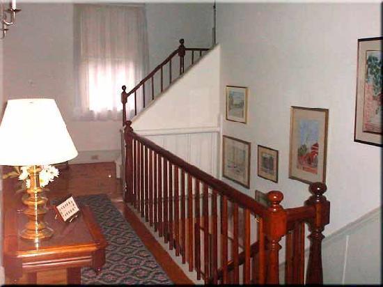 Bethlehem Inn: Upstairs Hallway