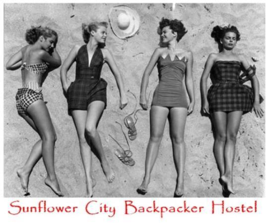 Sunflower Beach Backpacker Hostel & Bar Photo