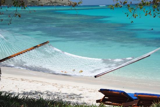 Blue Lagoon Beach Resort: hammocks in front of each beach villa