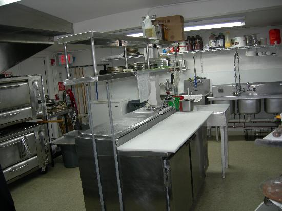 Upper Crust Pizza : Our new kitchen