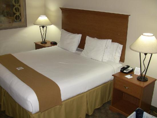 Socorro, NM: The very comfortable bed