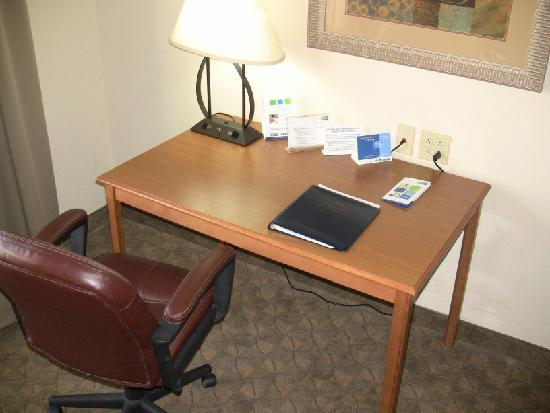 Socorro, NM: Work desk and leather chair