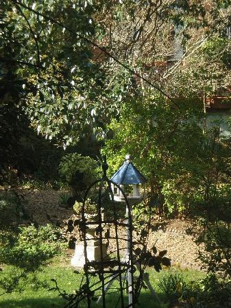 Astons Apartments: 部屋から中庭の眺め
