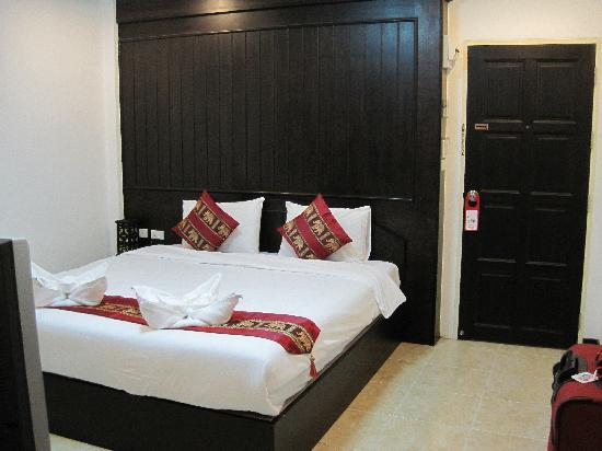 Patong Bay Guesthouse : room