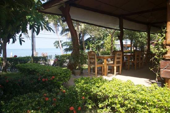 Ananda Wellness Resort: Restaurant - fantastic