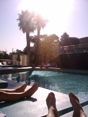 Sofitel Marseille Vieux-Port: chilling @ the pool in Sofitel Marseille