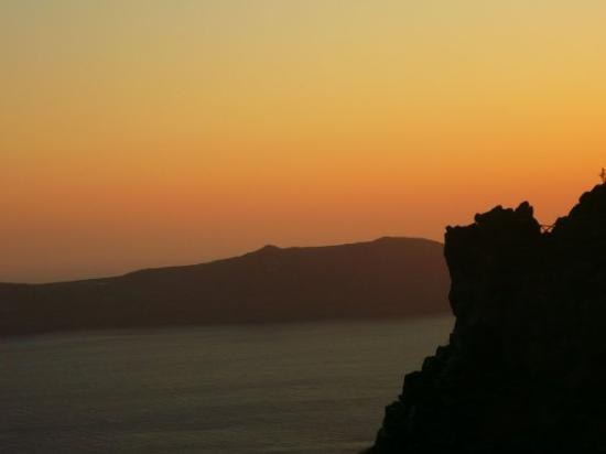 Iconic Santorini, a boutique cave hotel: Sunset from Icons